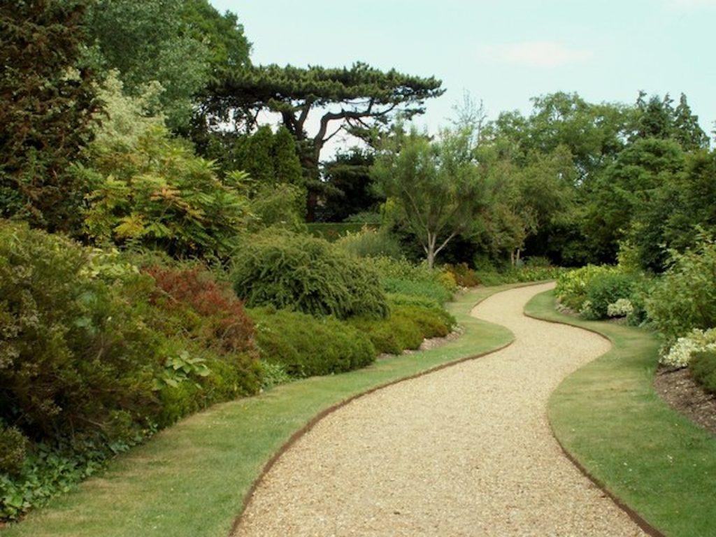 Photo credit: Robert Edwards / Winter Garden, Cambridge University Botanic Gardens